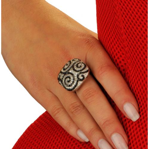 Pierścionek srebrny z cyrkoniami Swarovskiego