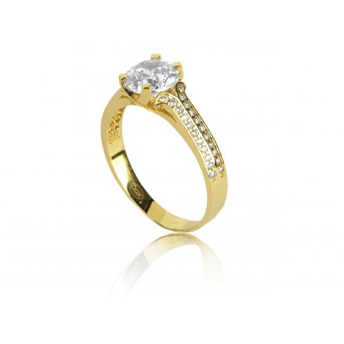 Klasyczny złoty pierścionek