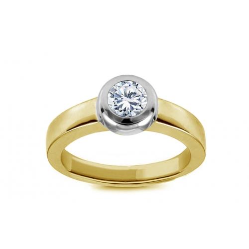 Pierścionek z diamentem w żółtym złocie