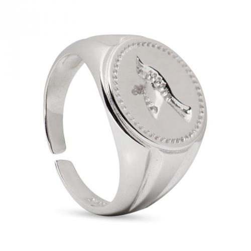 Pierścionek srebrny z grawerowanym ptakiem