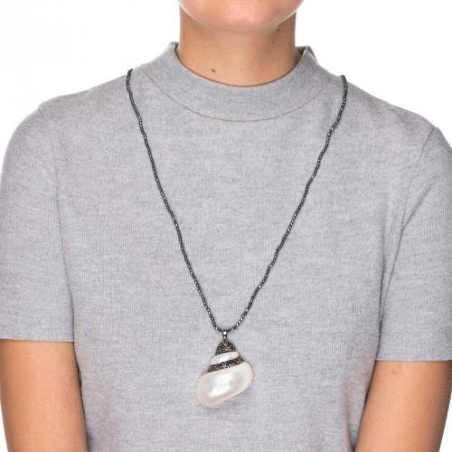 Naszyjnik z zawieszką z masy perłowej