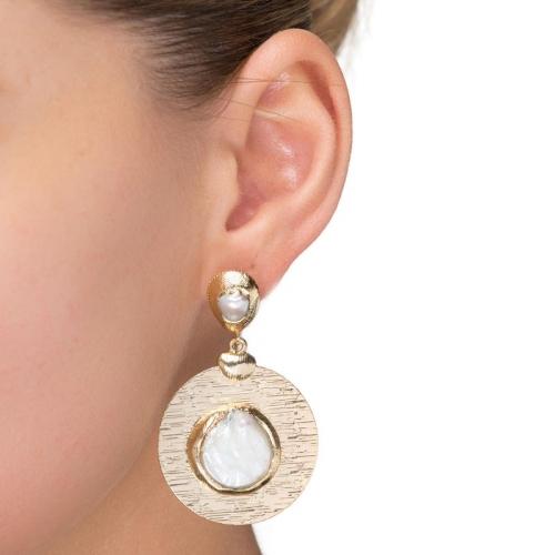 Kolczyki pozłacane z masą perłową