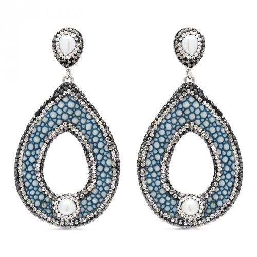 Kolczyki z niebieskiej skóry i masy perłowej