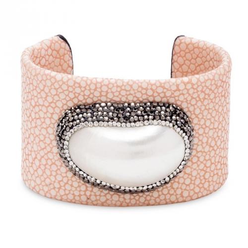 Bransoletka z różowej skóry i masą perłową