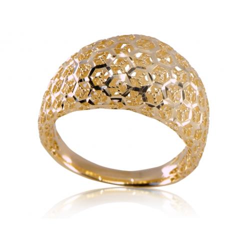 Złoty pierścionek ażurowy