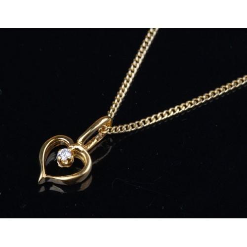 Wisiorek złoty z brylantem, złote serce