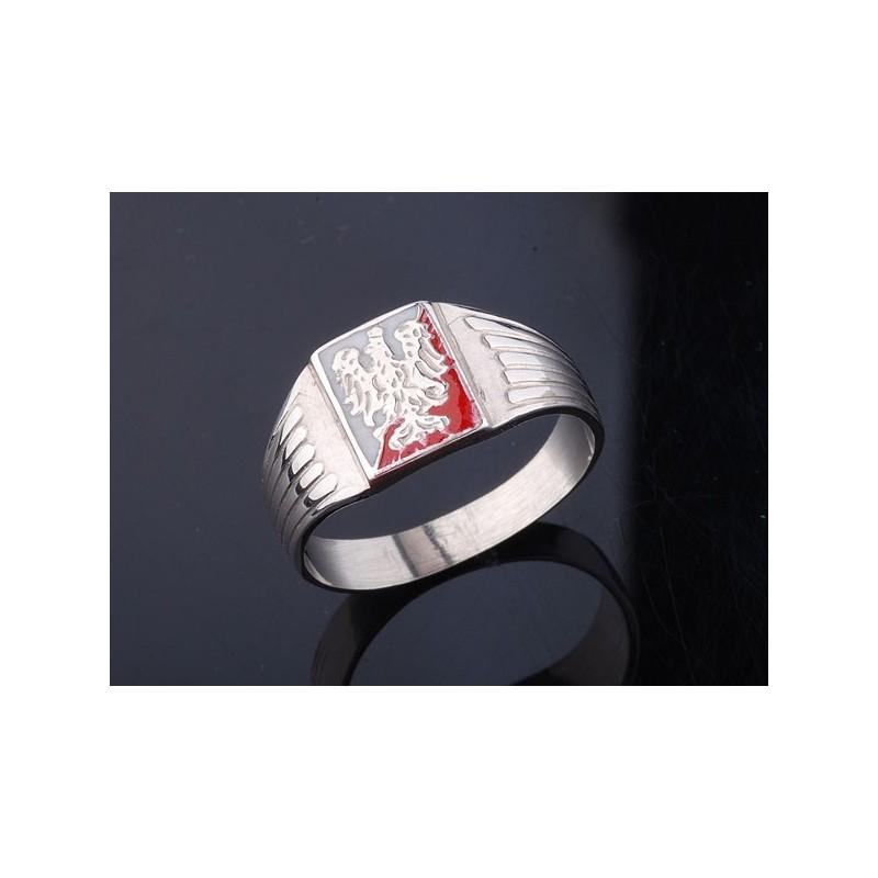 Sygnet srebrny z orłem piastowskim na biało-czerwonym tle