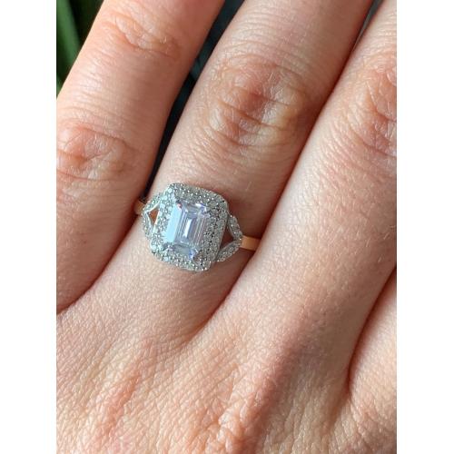 Złoty pierścionek Swarovski 585