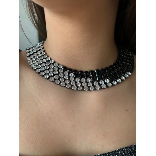 Naszyjnik modowy czarny z kryształami
